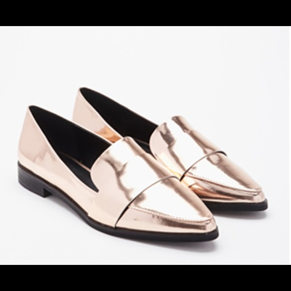 17086417995 Rose gold patent leather loafers NEW