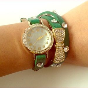 Accessories - 💕BUY&ORANGE IS FREE💕Green Wrap-Around Wristwatch