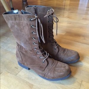 60 forever 21 shoes grey faux suede combat boots