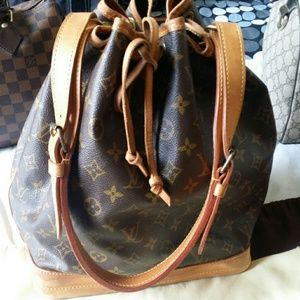 Authentic Louis Vuitton Noe
