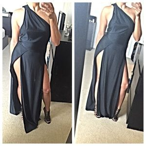 Dresses & Skirts - FINAL SALE❗️Black High slit long dress
