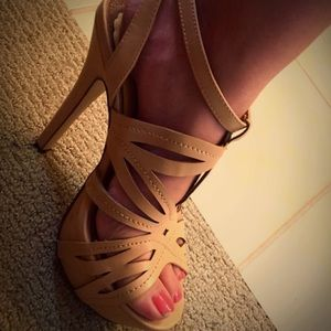 Shoes - Strappy heels!