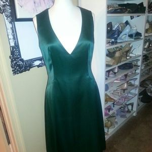 Cynthia Howie Dresses & Skirts - Emerald green satin special occasion dress
