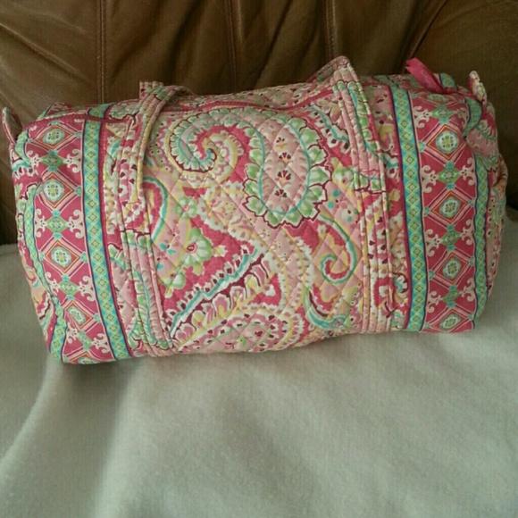 Vera Bradley large travel duffel bag! M 5522f7f57eb29f2e7100e6c7 a6f26c5558