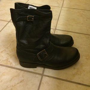 NWOT Frye Veronica boots