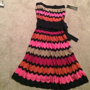Laundry new with tags strapless chevron dress