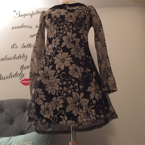 Dresses - 💥🎉HOST PICK 🎊✨Peter Pan collar lace dress 🎀