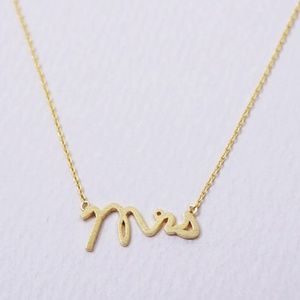 ✅It's Here.✅ Gold 'Mrs.' Necklace Weddings