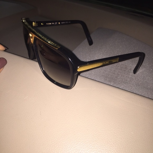 louis vuitton accessories louis vuitton shades brand new black and gold