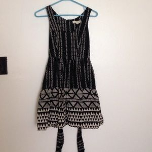 Patterned black and white dress