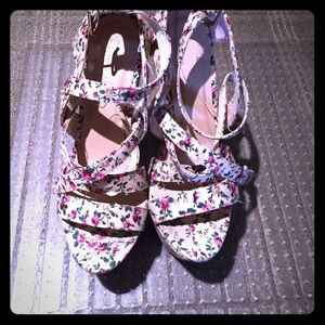 Forever 21 platform summer flowered shoe peep toe