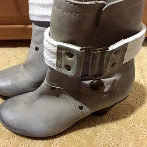 Kelsi Dagger grey booties