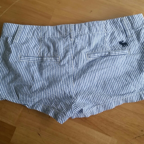 78% off Abercrombie & Fitch Pants - LOWEST! Abercrombie Blue/White ...