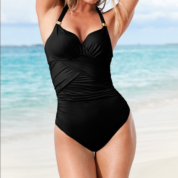 cb5df42c7710 Forever sexy the unforgettable one-piece. M 552442e9ea3f36377f014bd5