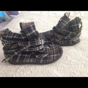 Aldo plaid boots (White/Grey/Black)