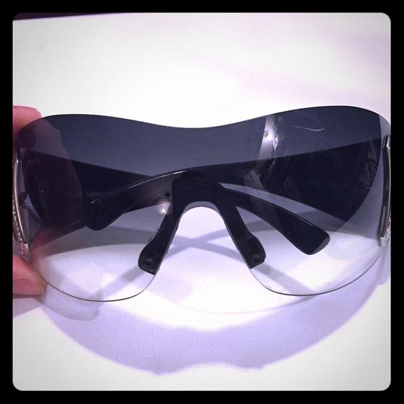 82a4c631388c Dolce   Gabbana Accessories - Dolce   Gabbana Rimless Oversized Sunglasses