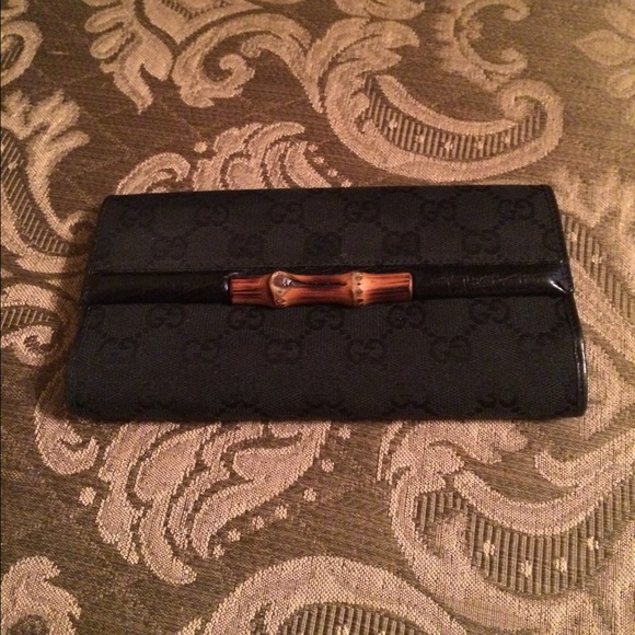 c5460f71db2220 Gucci Handbags - Black GG Gucci Wallet with Bamboo accent-REDUCED