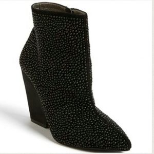 Jeffrey Campbell Shoes - 💥1 day sale💥 Jeffery Campbell booties