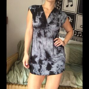 Forever 21 Tops - Forever 21 gray tie dye summer top tunic sz small