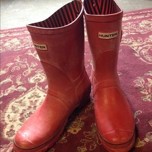 hunter boots-red