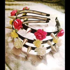 🌸✨Spiked Flower HeadBands✨🌸