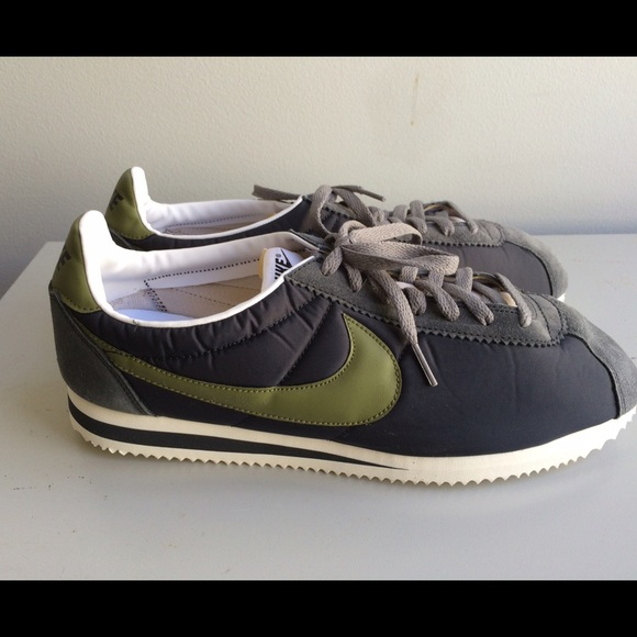 new styles ebbe8 25a51 Nike for J Crew - Vintage style Men s Cortez Shoes.  M 55258525fef31c09f103447f
