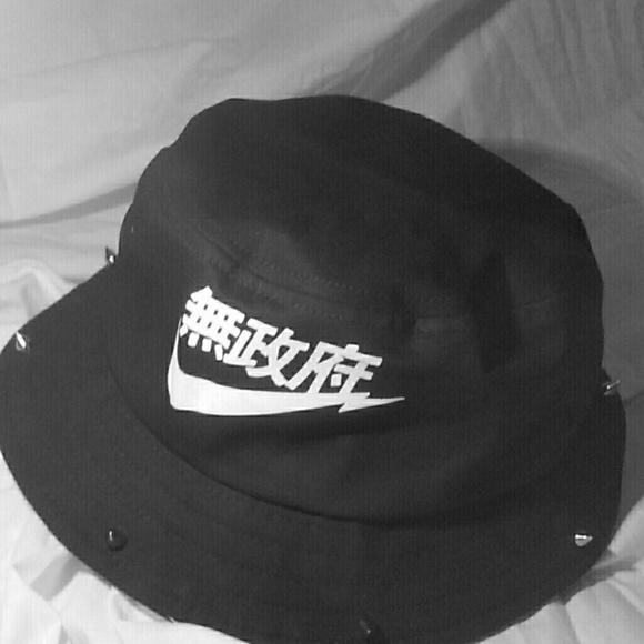 d21e28c88a6 Studded japanese nike bucket hat. M 55258a6e51e9ea67bb003a45