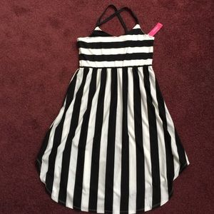 Exhilaration Dresses & Skirts - Black and white dress