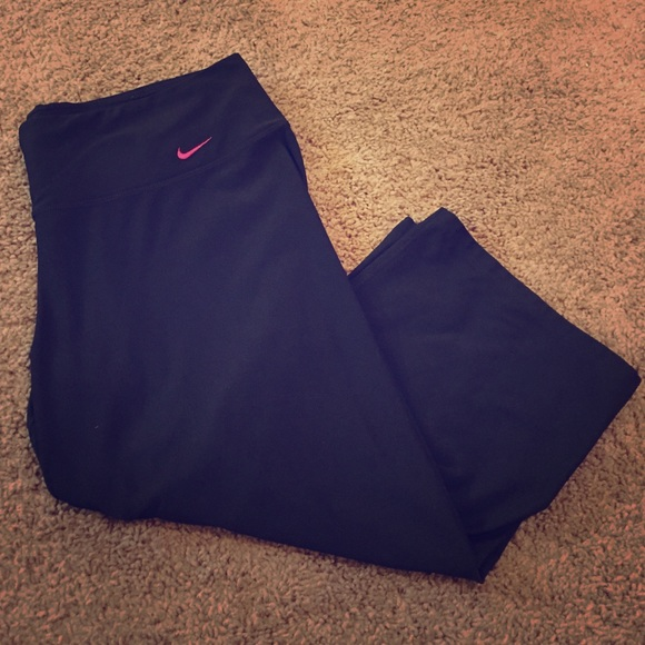 77% off Nike Pants - NIKE DRI-FIT loose fit Capri workout pants ...
