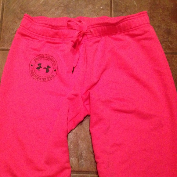 Be comfy and stylish in PINK joggers and sweatpants. Browse our cute sweats to find the perfect lounge pant style for you. From skinny and high waisted to boyfriend and classic sweatpant, PINK has it all. Be comfy and stylish in PINK joggers and sweatpants. Browse our cute sweats to find the perfect lounge pant style for you.