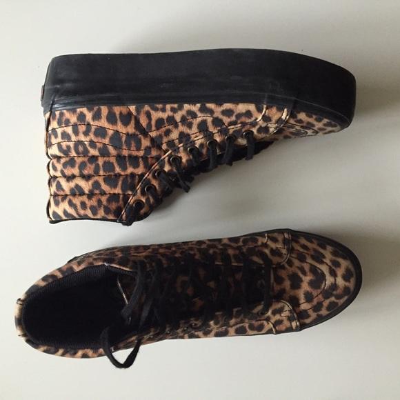 8f22923a994e High top platform cheetah print Vans. M 5525aa912de5122e8900444f