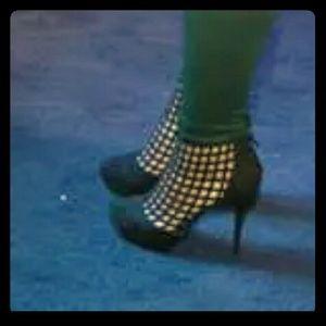 Shoes - Black suede super cute cutouts heels new