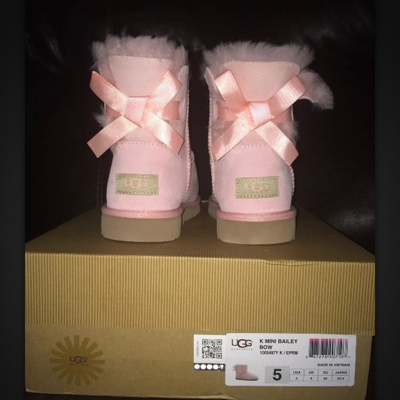 ugg bailey bow big kid 5