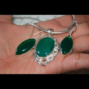SALE 12gram Green Onyx Pendant & Earrings Set 2""