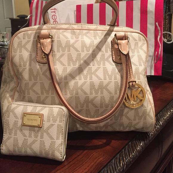 211fa6dcd17e mk handbags medium mk purses michael kors under  22 - Rescue Earth