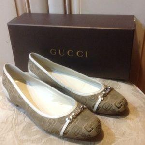 Gucci monogram flat shoes