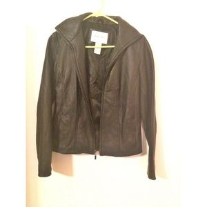 Jaclyn Smith woman's leather jacket