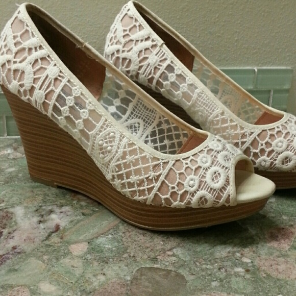 676519acb2a8 American eagle payless shoes american eagle cream lace wedge jpg 580x580  Payless shoes wedges