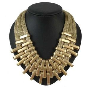 Gold Chunky Necklace Choker NWOT