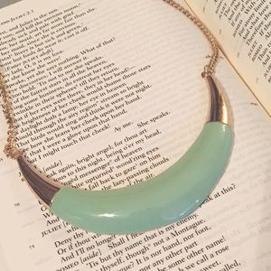 Mint Collar Bib Necklace
