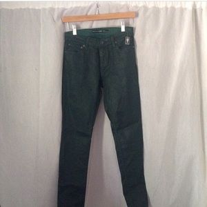 Denim - Coated denim. Dark green