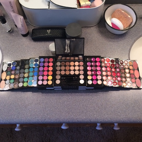 Sephora Studio Blockbuster Palette Makeup Kit. M_5526db50713fde556f0083ae