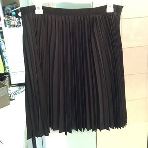 Jason Wu for Target NWOT Black pleated skirt