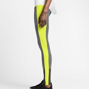 70b552ce9d48 Nike Pants - Nike RU Fly Leggings