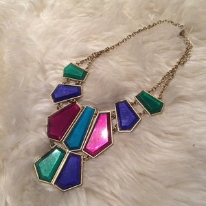 Jewelry - HP 🎉 Boutique statement necklace