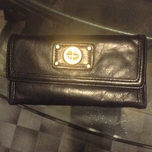 Marc Jacobs Clutches & Wallets - Marc Jacobs wallet turnlock
