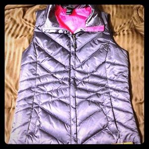 North Face 550 Women's vest: Size Small