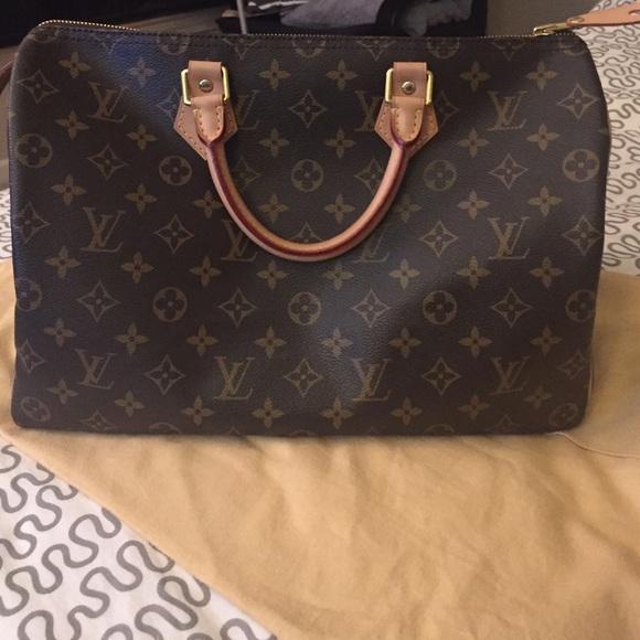 Louis Vuitton Handbags - Louis Vuitton Speedy 35 Monogram Made in France 74578f32c1c5b