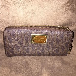 Michael Kors Brown zip around wallet