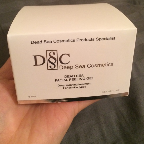 Deep sea facial peeling gel